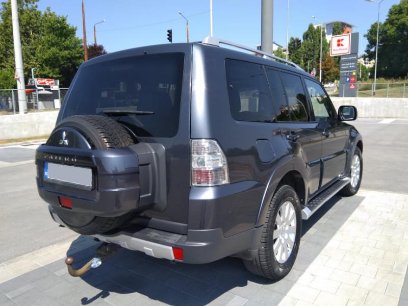 Mitsubishi Pajero - image 5