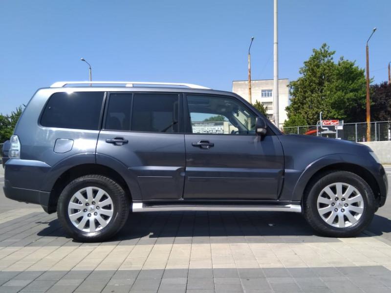 Mitsubishi Pajero - image 6