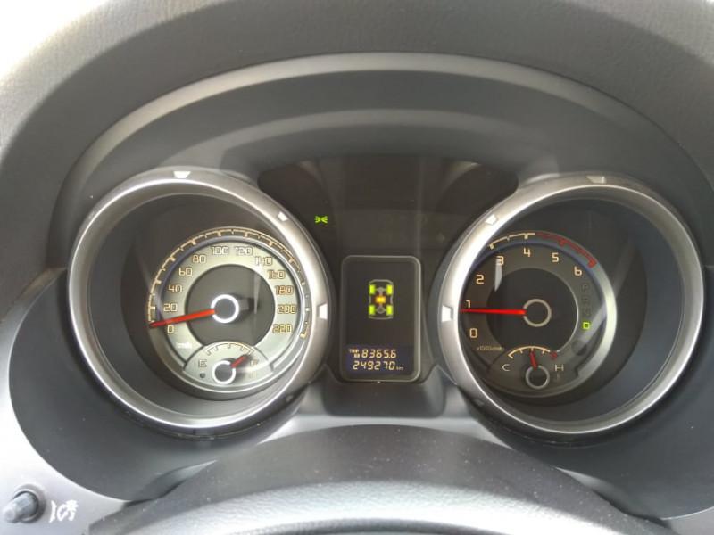 Mitsubishi Pajero - image 10