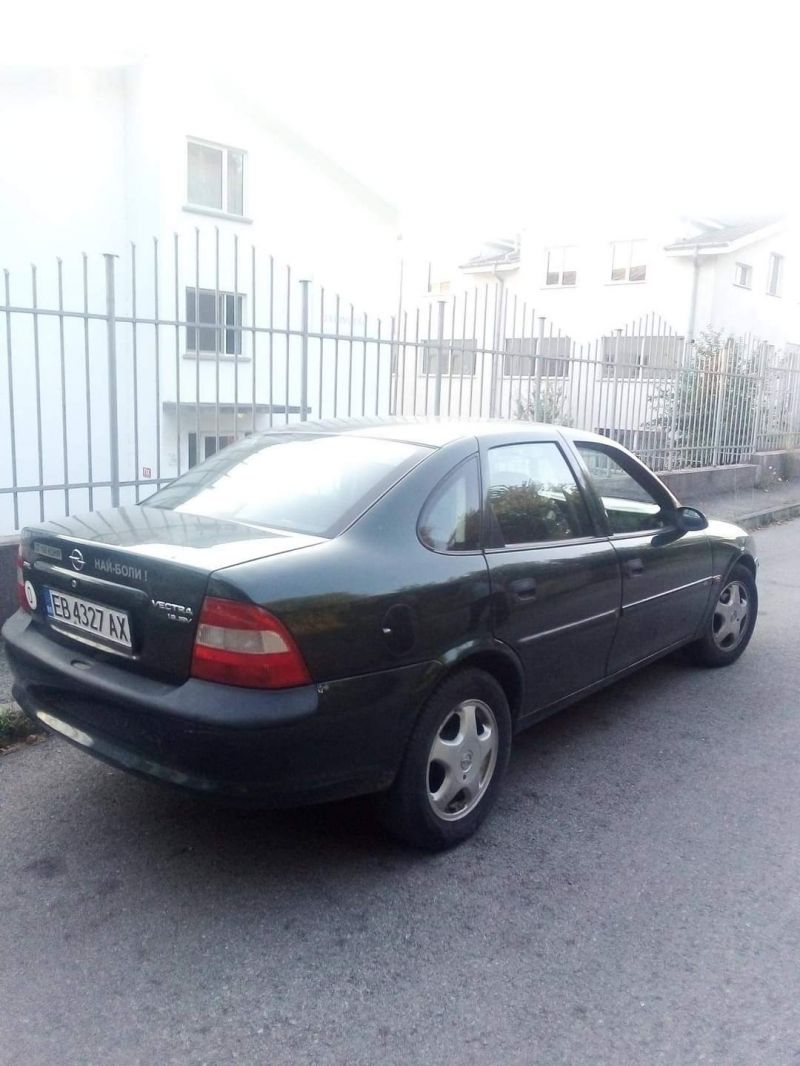 Opel Vectra - image 3