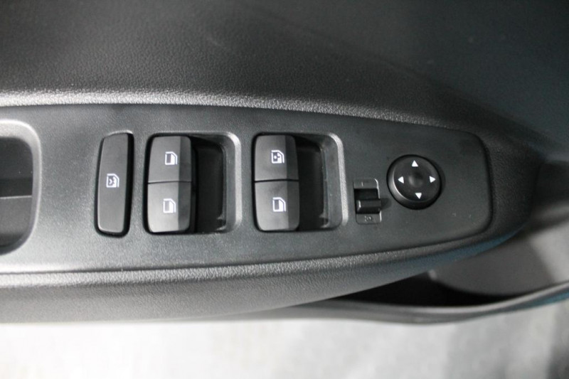 Hyundai i10 - image 12