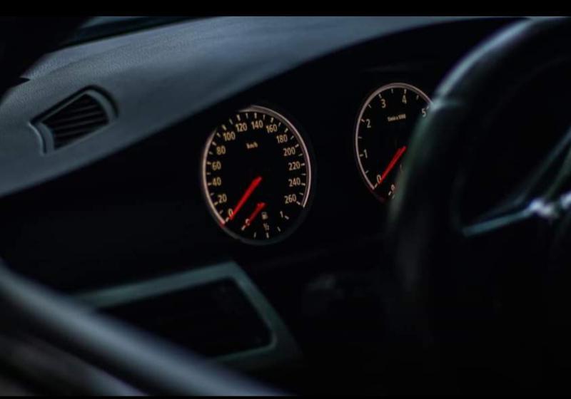 BMW 545 - image 12