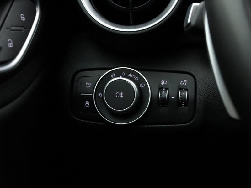 Alfa Romeo Giulia - image 14