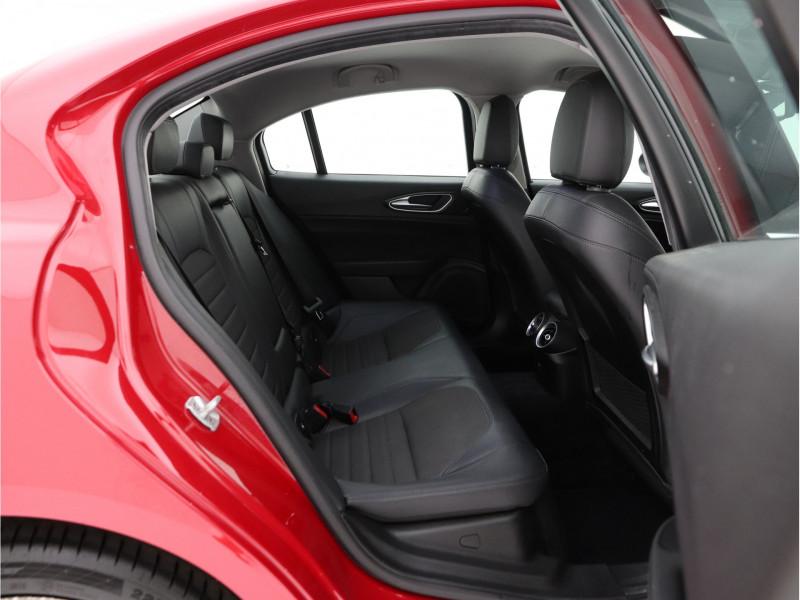 Alfa Romeo Giulia - image 9