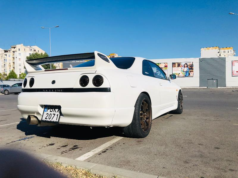 Nissan Skyline - image 6