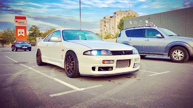 Nissan Skyline - image 8
