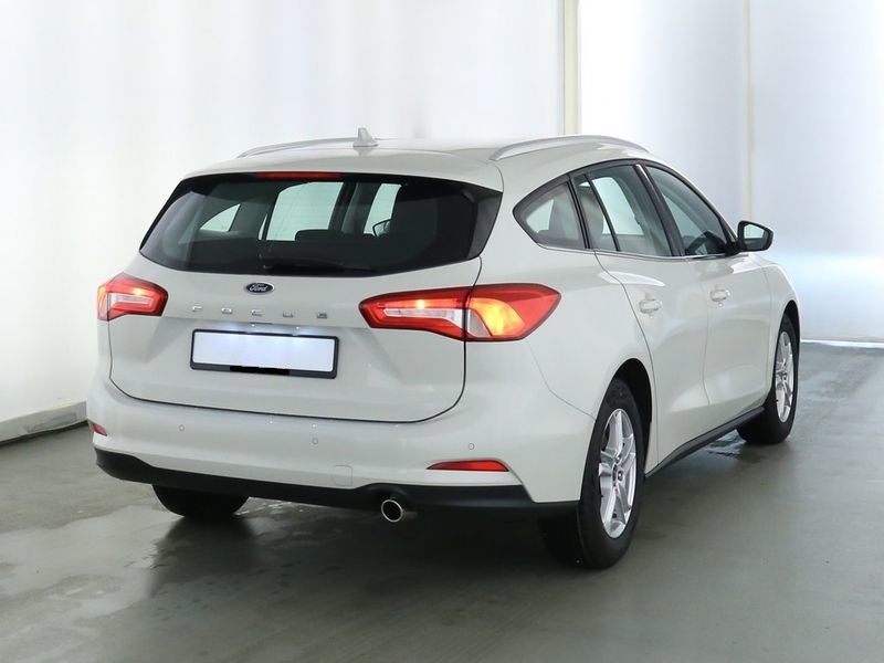 Ford Focus - image 4