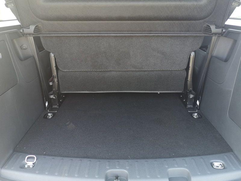 VW Caddy - image 4