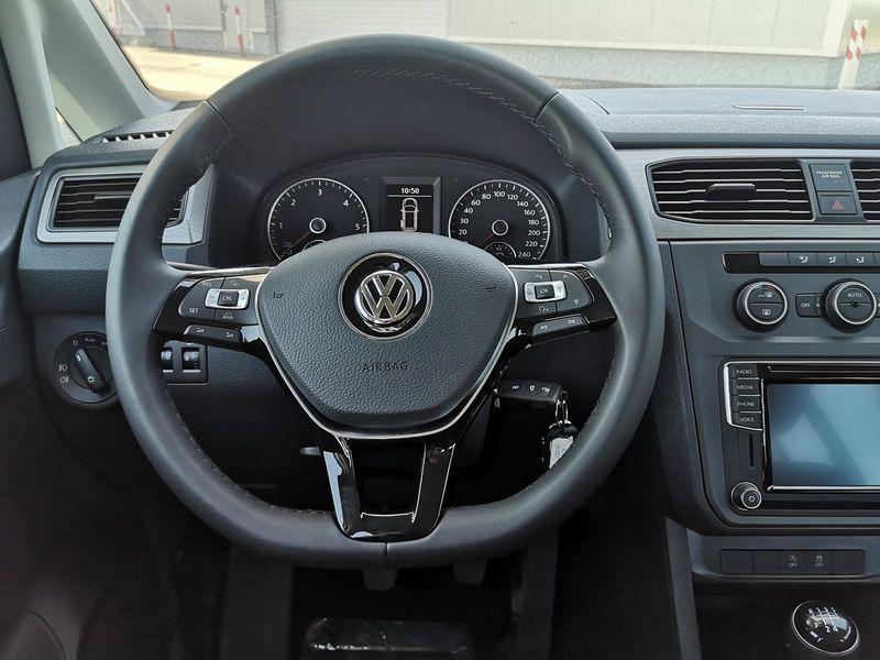 VW Caddy - image 10