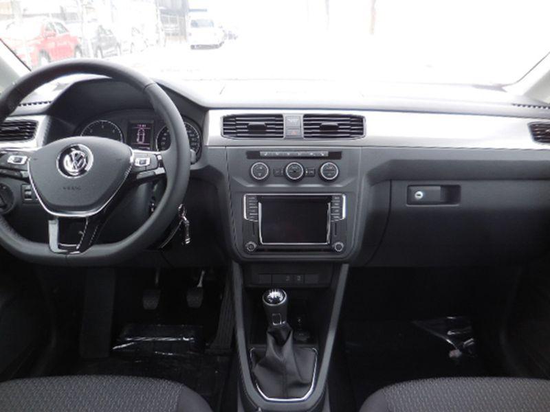 VW Caddy - image 6