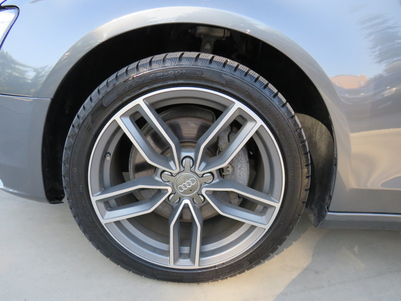 Audi A4 - image 14