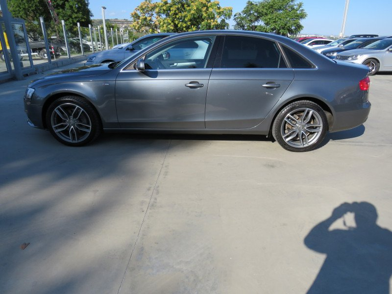 Audi A4 - image 8