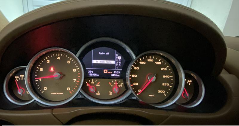 Porsche Cayenne - image 5