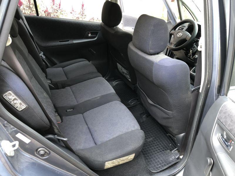 Toyota Corolla Verso - image 10