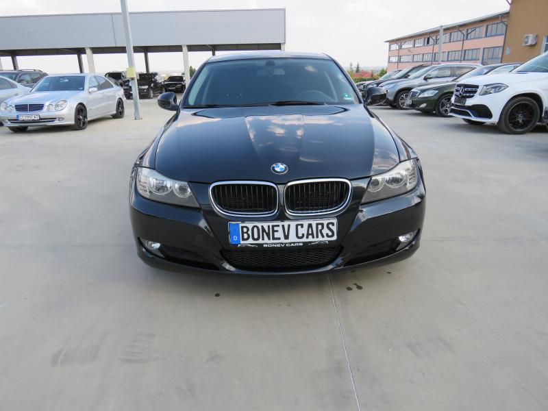 BMW 320 - image 2