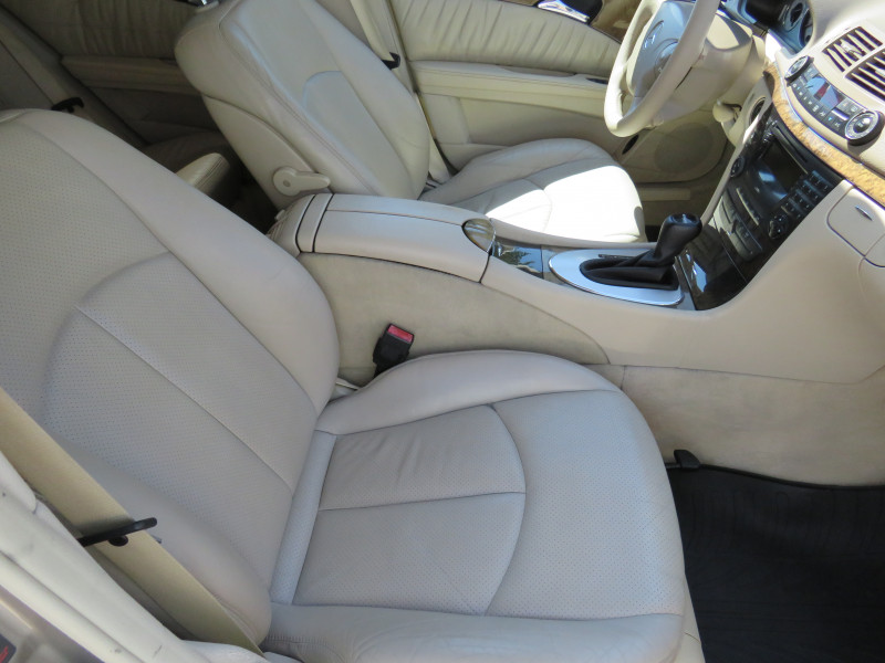 Mercedes-Benz Е 320 - image 11