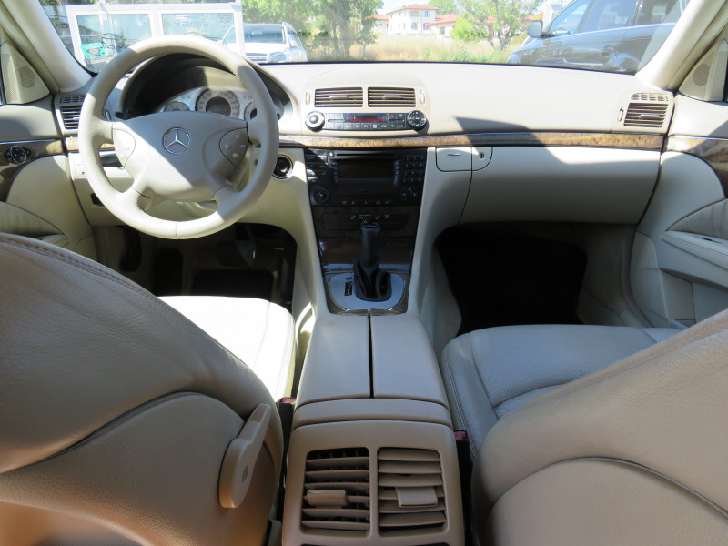 Mercedes-Benz Е 320 - image 10