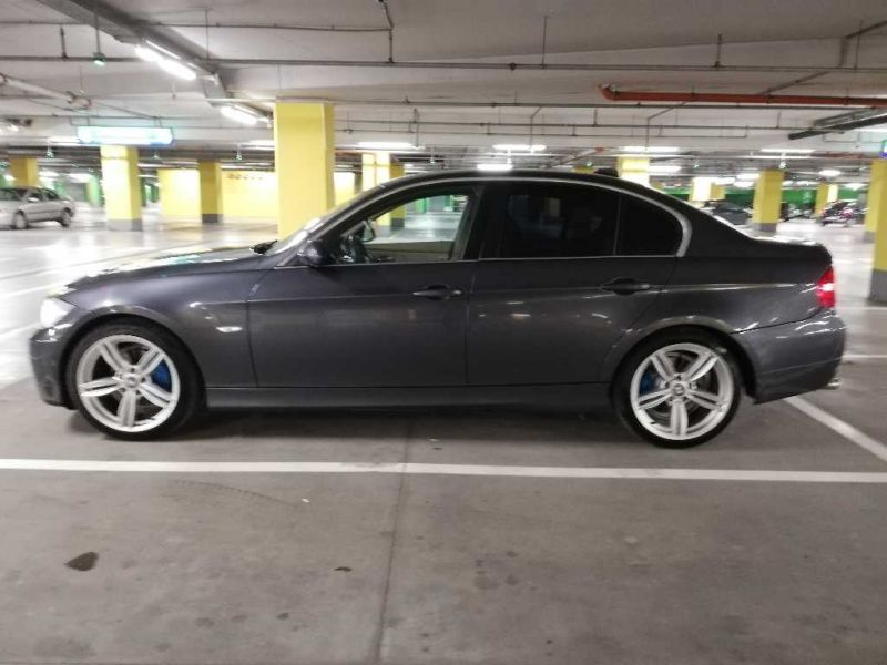 BMW 325 - image 4