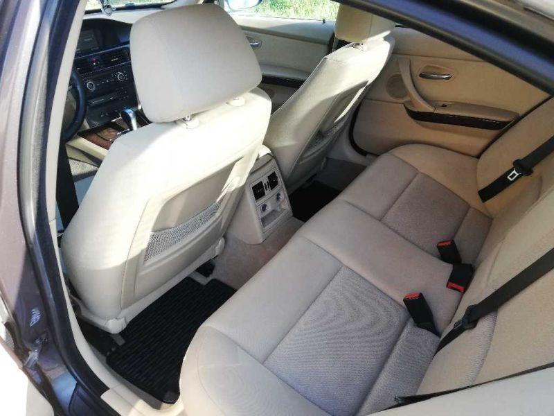BMW 325 - image 10