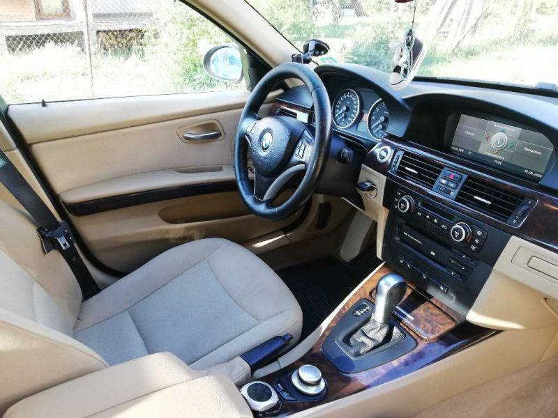 BMW 325 - image 8