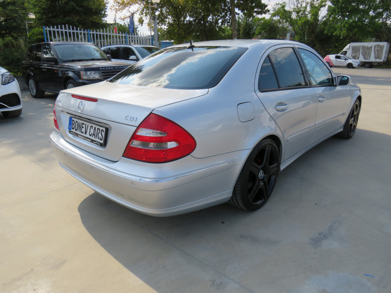 Mercedes-Benz Е 320 - image 5