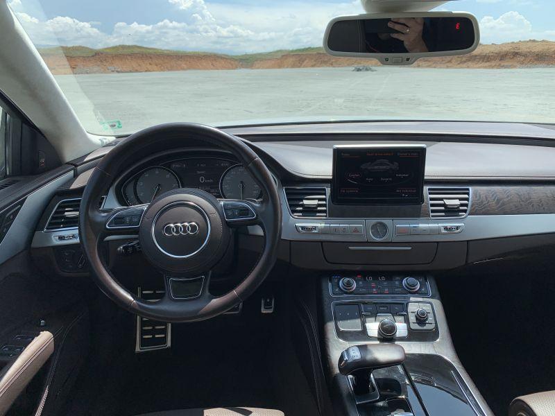 Audi S8 - image 10