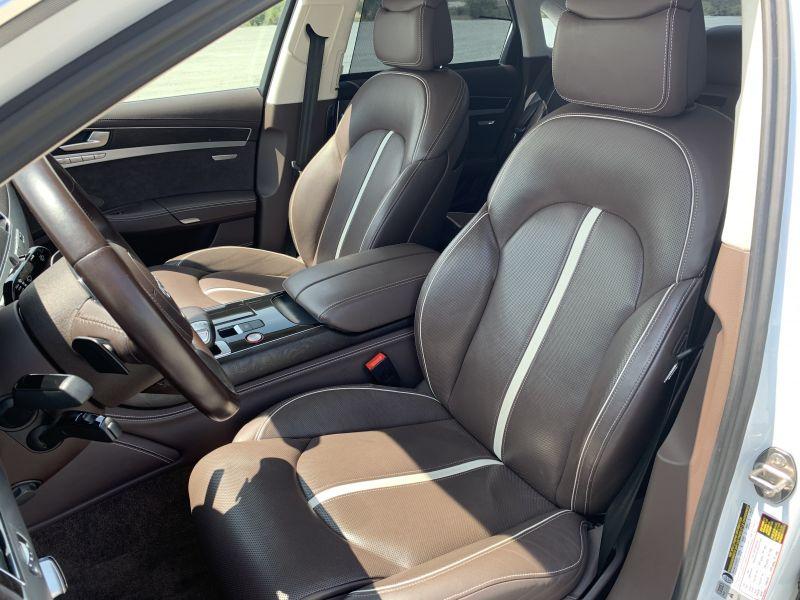 Audi S8 - image 11