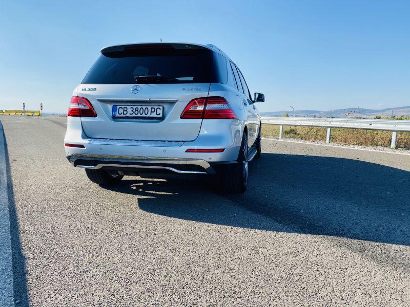Mercedes-Benz ML 350 - image 3