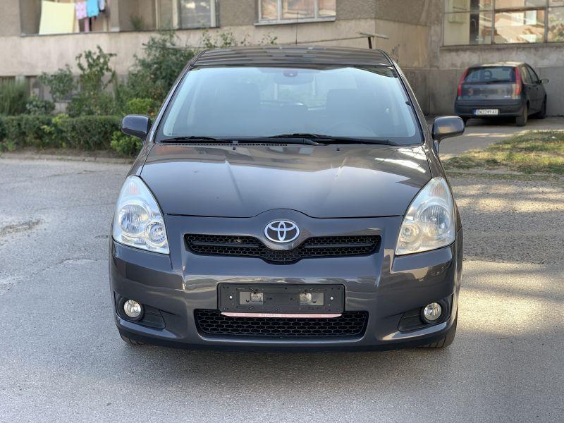 Toyota Corolla Verso - image 1