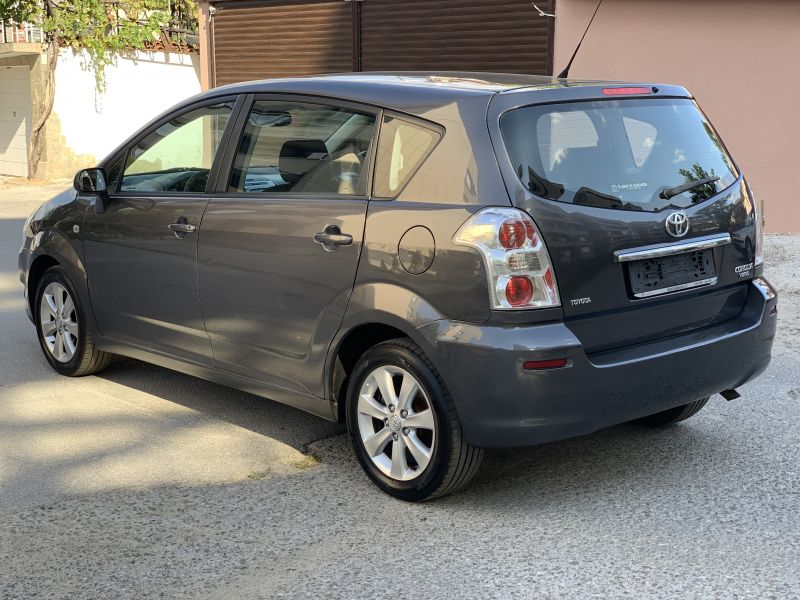 Toyota Corolla Verso - image 8