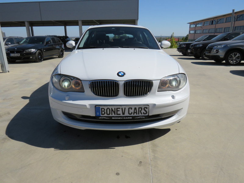 BMW 120 - image 2