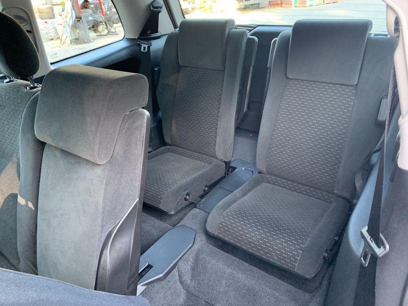 Opel Zafira - image 10