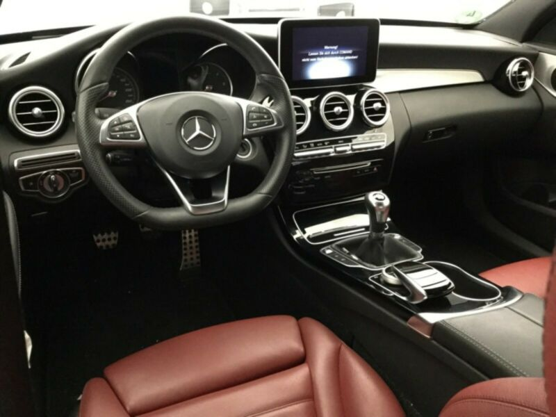 Mercedes-Benz C 220 - image 7