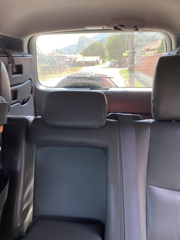 Toyota Land Cruiser - image 10