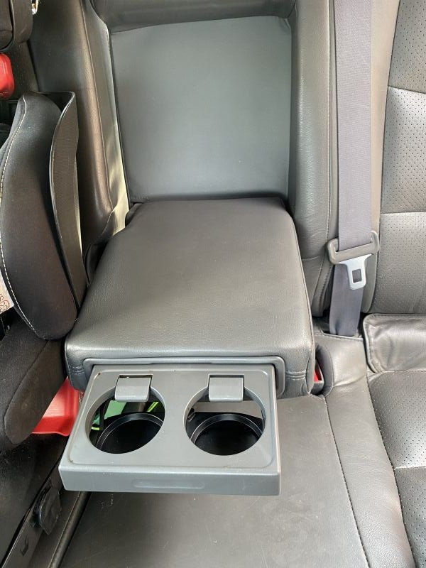 Toyota Land Cruiser - image 8