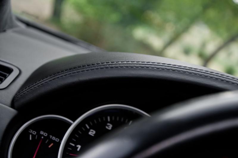 Porsche Cayenne - image 14