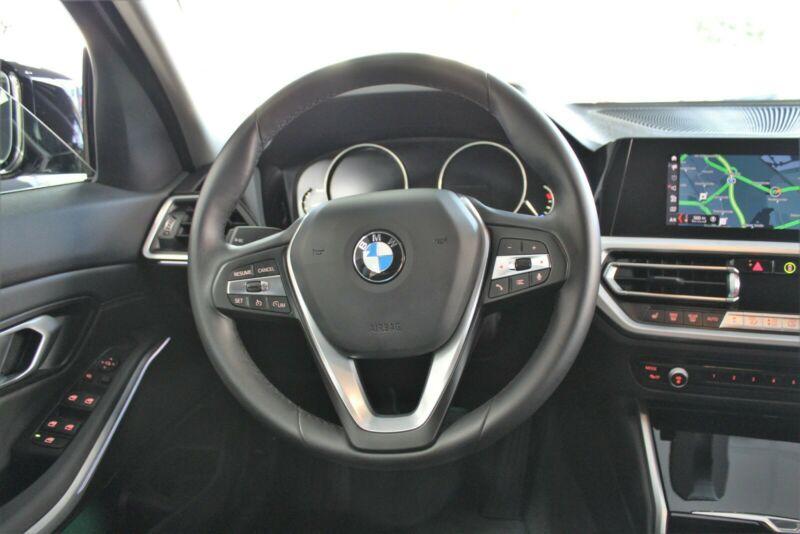 BMW 320 - image 3