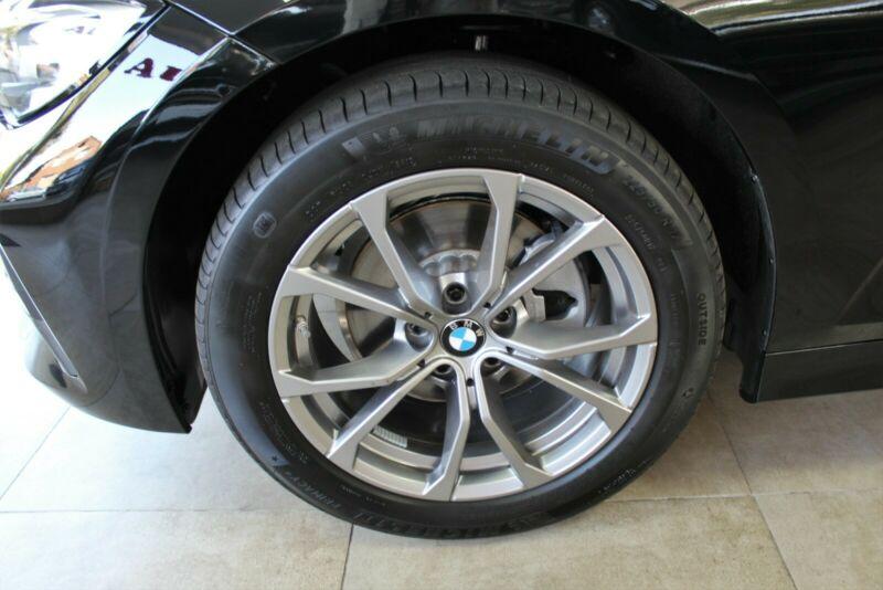 BMW 320 - image 6
