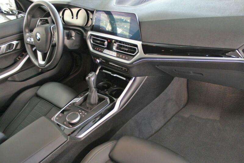 BMW 320 - image 11