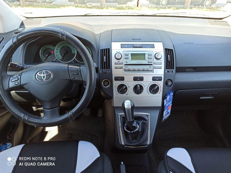 Toyota Corolla Verso - image 5