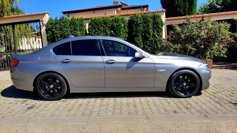 BMW 525 - image 2