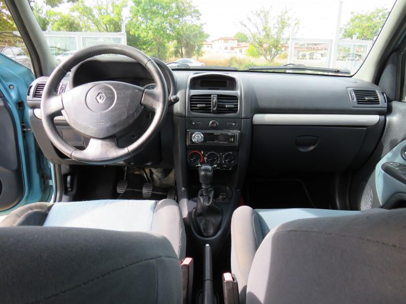 Renault Clio - image 12