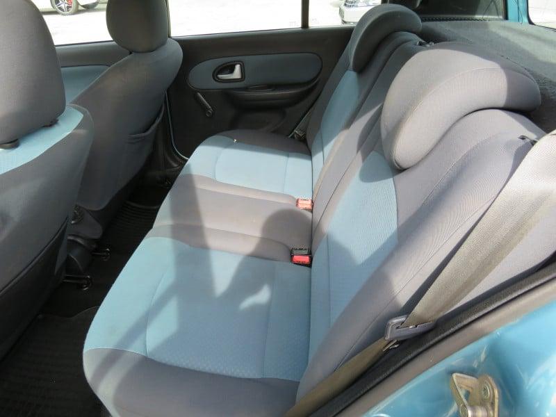 Renault Clio - image 11