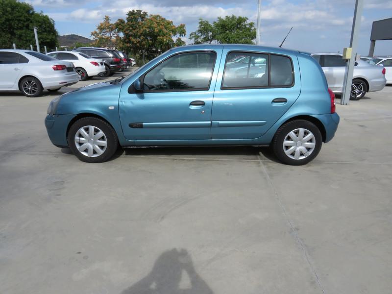 Renault Clio - image 8