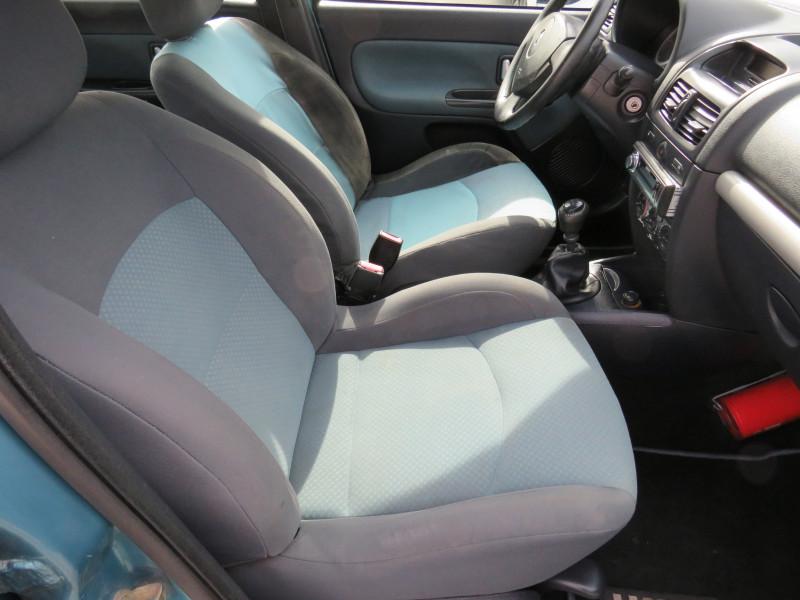 Renault Clio - image 14