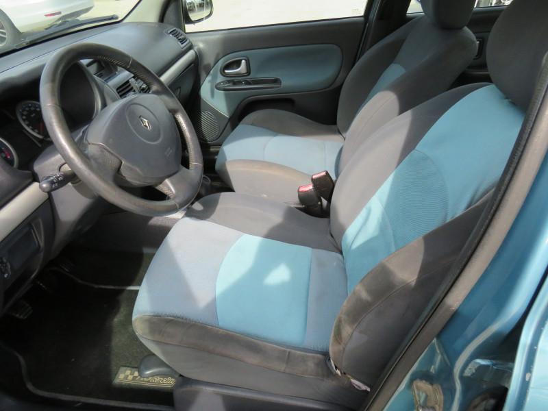 Renault Clio - image 9