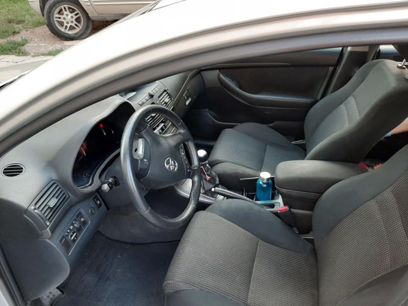 Toyota Avensis - image 5