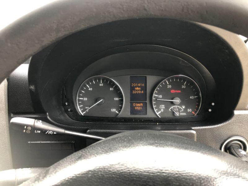6- Mercedes-Benz Sprinter 313