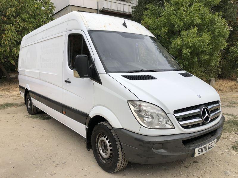 1- Mercedes-Benz Sprinter 313