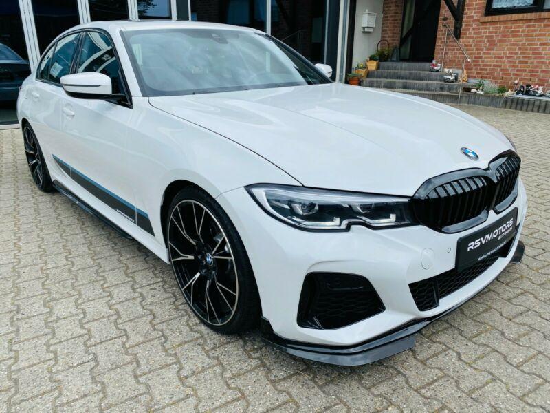 BMW 330 - image 1